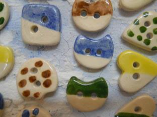 botons ceràmica quadrats pics llunes cors
