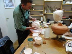 talleres de ceramica esmaltando