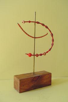 Esculturas con cuentas Lluna vermella